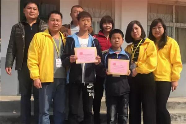 岳阳各界开展学雷锋志愿服务活动有宁波高中哪些图片